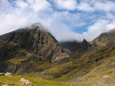 walking on carrauntoohil 4