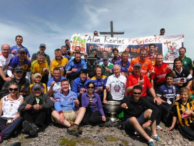 walking on carrauntoohil 6