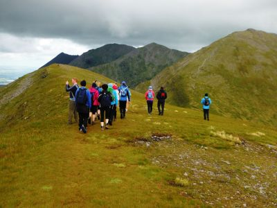 walking on carrauntoohil 8